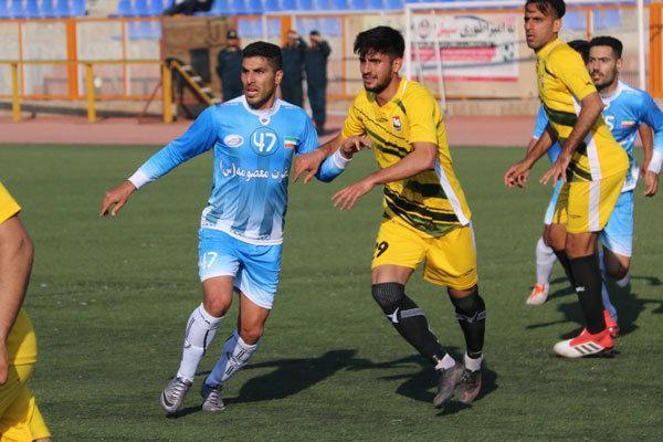 تیم فوتبال صبای قم برابر نفت اهواز به تساوی رسید