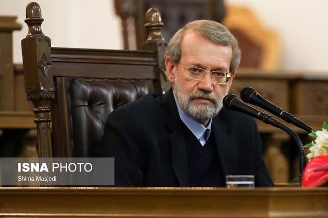 لاریجانی از عدم همکاری بعضی کمیسیون ها برای دائمی کردن قوانین آزمایشی انتقاد کرد