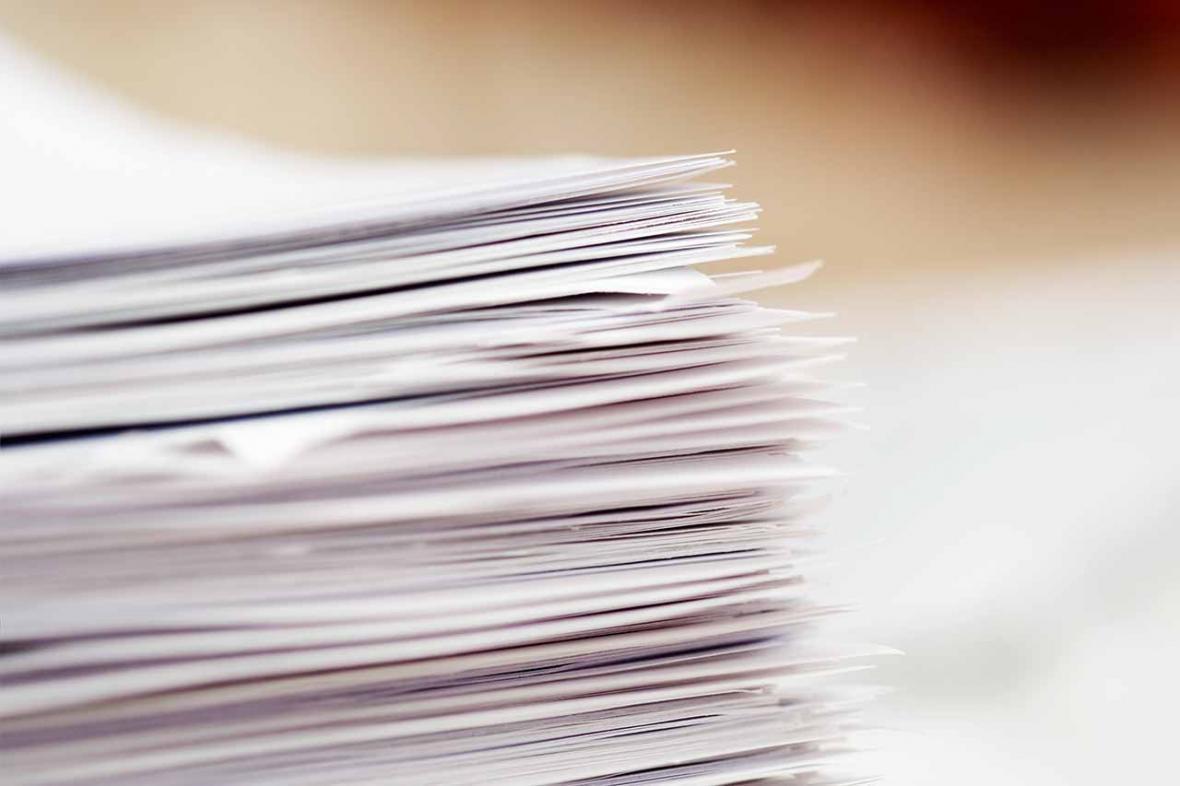 در مصاحبه با خبرنگاران مطرح شد؛ دلایل افزایش قیمت کاغذ، روند افزایش قیمت کاغذ با دستگیری سلطان کاغذ هم پایین نیامد