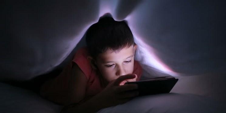 نمایشگر موبایل؛ مخرب خواب نوجوانان