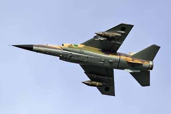 ارتش خلیفه حفتر یک جنگنده را در فرودگاه مصراته منهدم کرد