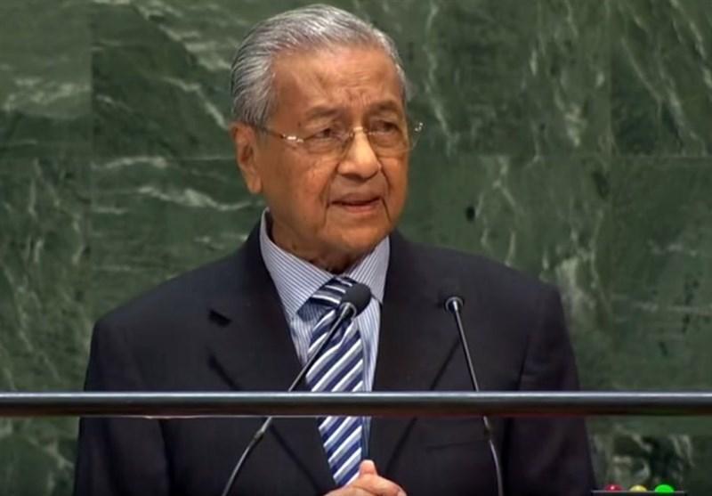 نخست وزیر مالزی با رد تهدیدات تجار هندی بر حمایت خود از کشمیر تاکید نمود