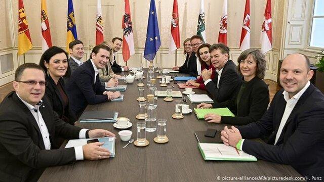 حزب محافظه کار مردم اتریش برای تشکیل دولت با حزب سبزها مذاکره می نماید
