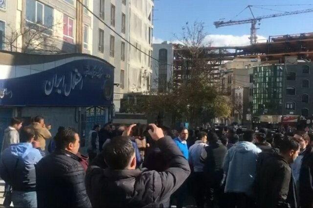 معاون باشگاه استقلال کتک خورد