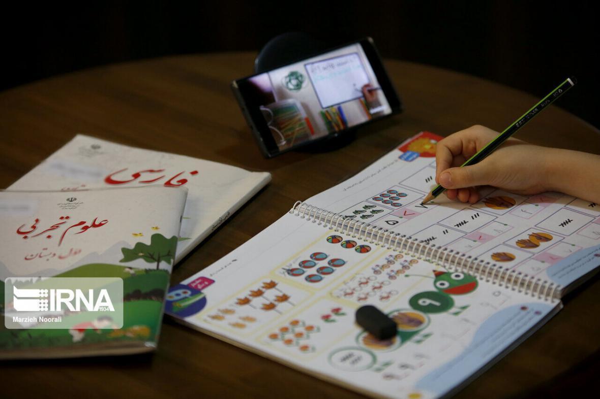 خبرنگاران توزیع بیش از 31 هزار بسته آموزشی بین دانش آموزان محروم ماکو