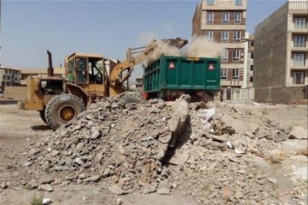 جمع آوری هزاران تن نخاله ساختمانی از مناطق حاشیه ای شهر خرم آباد
