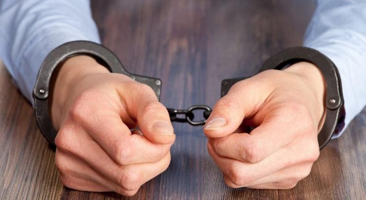 بازداشت یکی از دزدان فرش ابریشمی میلیاردی در تهران