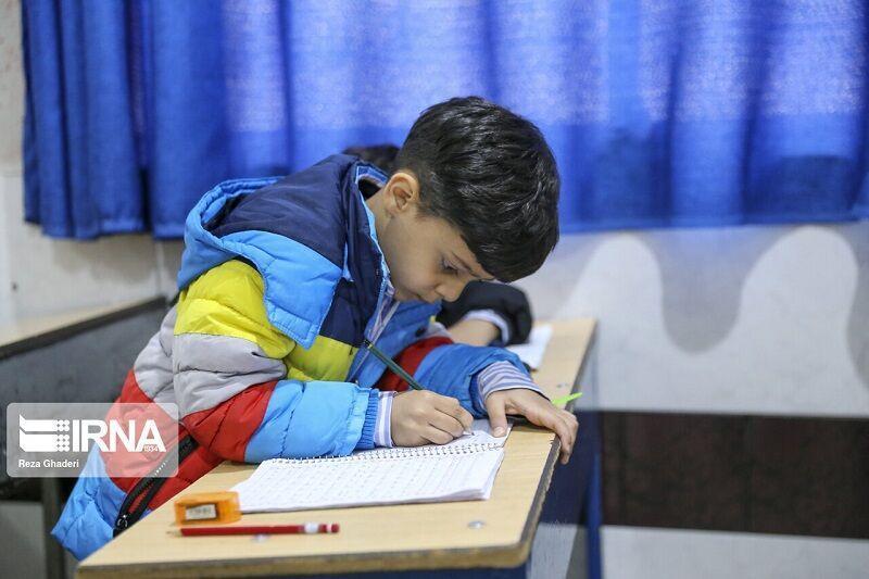 خبرنگاران کارت بیمه حوادث مازاد دانش آموزی و کارکنان آموزش وپرورش صادر می گردد