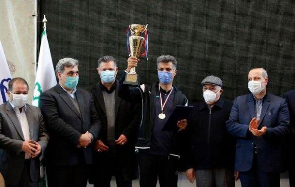 اهدای جام قهرمانی رسانه ورزش با حضور علی دایی و پیروز حناچی