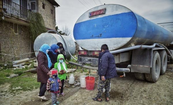 (تصاویر) آبرسانی با تانکر به روستای ابراهیم آباد گرگان