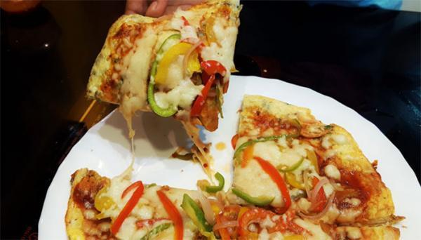 طرز تهیه املت با پنیر پیتزا؛ ساده اما بسیار لذیذ