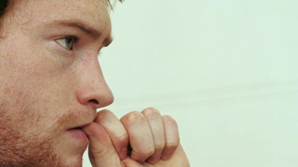 9 موردی که نباید به فرد مضطرب بگوییم